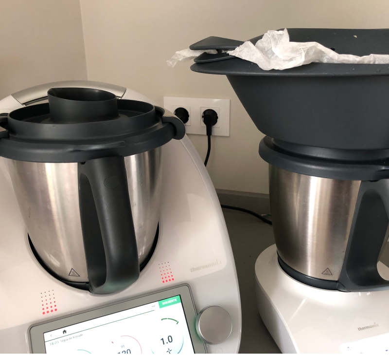 Sopa de tomate, caldo de puerros y Tortilla al vapor con Thermomix® y Thermomix® Friend