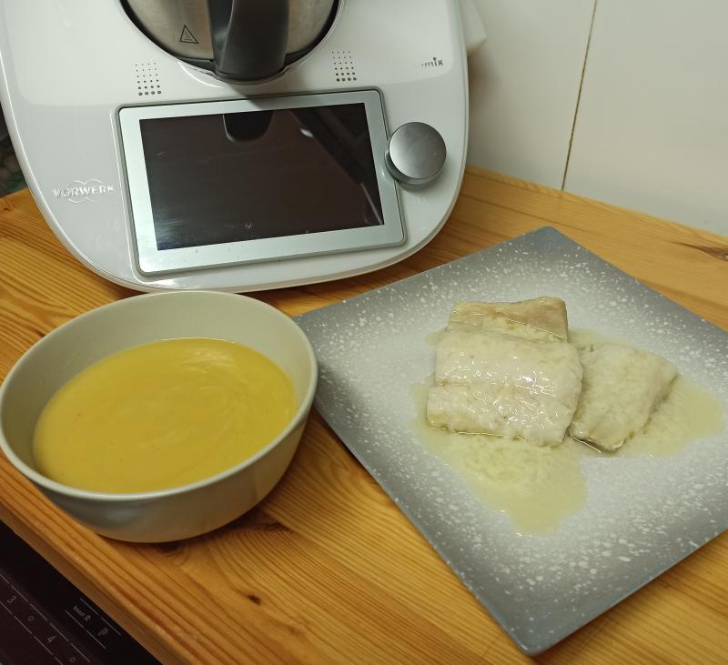 Cuinem junts: crema de verdures i bacallà al pil pil