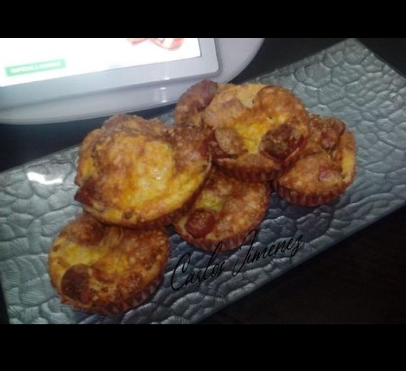 #YoMeQuedoEnCasaConThermomix® . Muffins de maíz con salchichas, cheddar y salsa barbacoa. Thermomix® . Villanueva de la Serena;Badajoz.