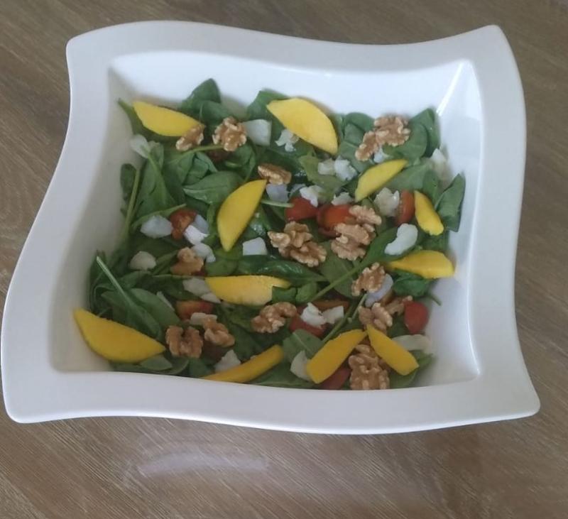 Ensalada de bacalao con vinagreta de mango (TM31, TM5, TM6)