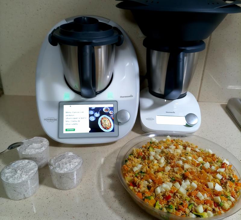 Menú: Cuscús con verduras, albaricoques y queso de cabra. Crema de stracciatella - Thermomix® Friend