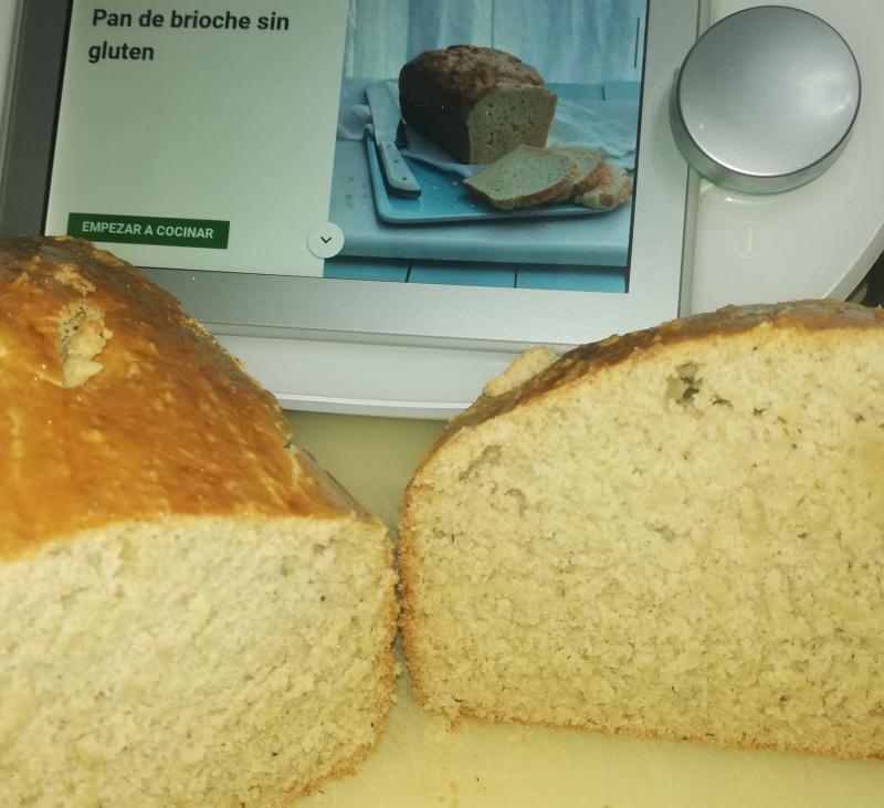 Pan de brioche sin gluten y con bebida de almendra en Thermomix®