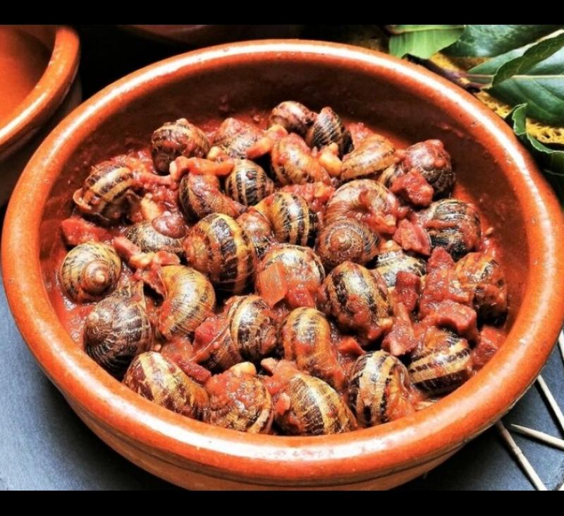 Caracoles en salsa de choricero