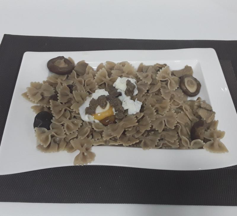 Parpadelle de boletus con trufa, setas y huevo al vapor (TM31, TM5, TM6)