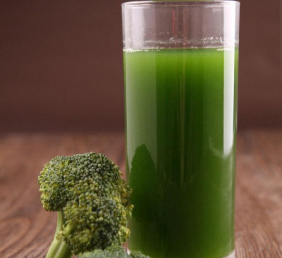 Zumo verde de brócoli superpoderoso