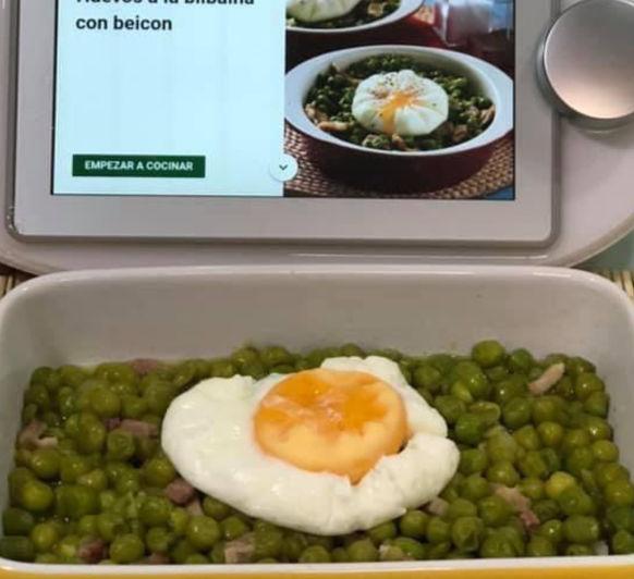 Huevos a la bilbaína con beicon