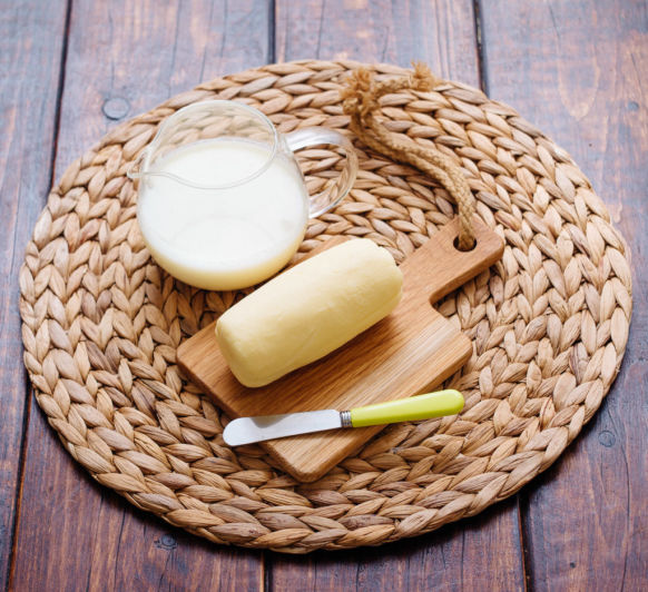 Cómo hacer mantequilla con sal