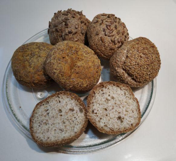 Bollos de pan bajo en carbohidratos (keto, cetogénico), con Thermomix®
