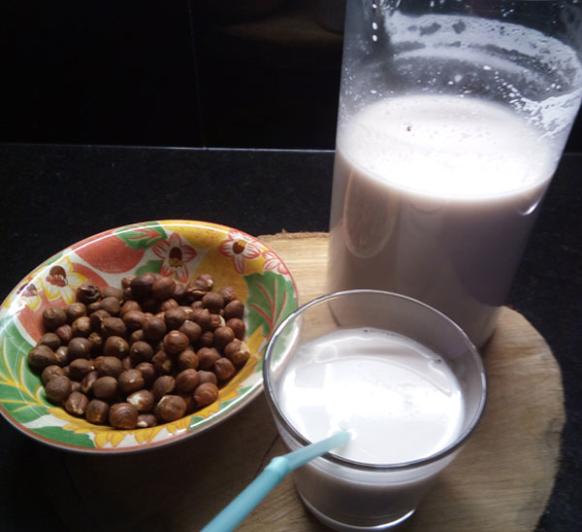 Leche vegetal de avellanas
