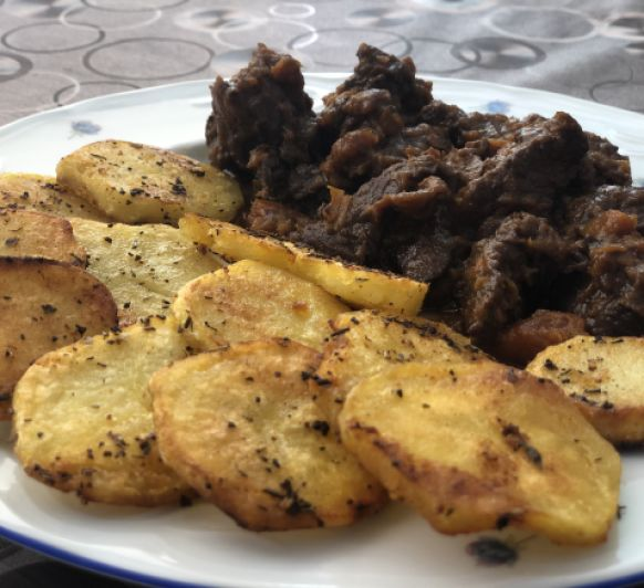 Aguja de Ternera con Patatas a las hierbas en Thermomix® TM6