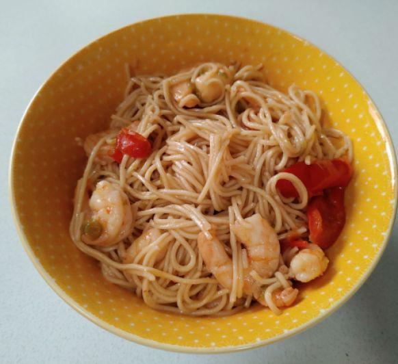 Noodles con gambas para dos
