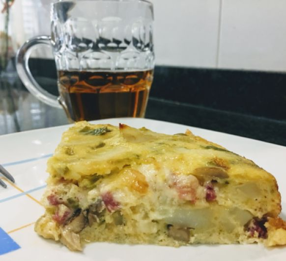 Tortilla de patatas mediterránea