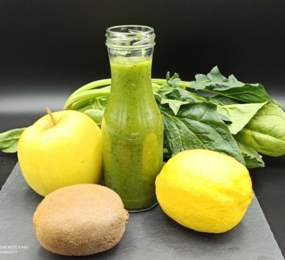 Smoothie verde con Thermomix® (kiwi/espinacas/manzana/limón)