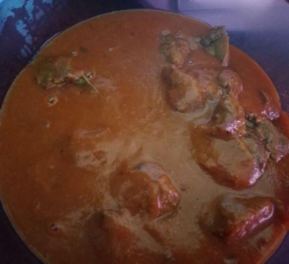 Carrilleras en salsa de pimientos rojos