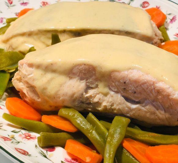 Salmón relleno de su mousse con salsa de mango con Thermomix®