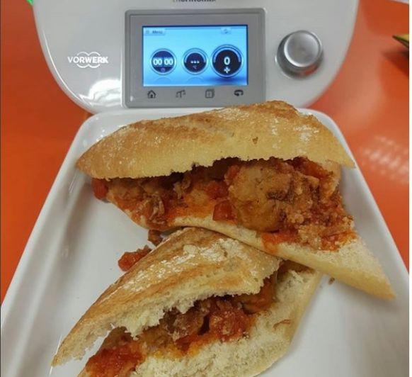 Bocadillo de Albóndigas con salsa Rustica con Thermomix®